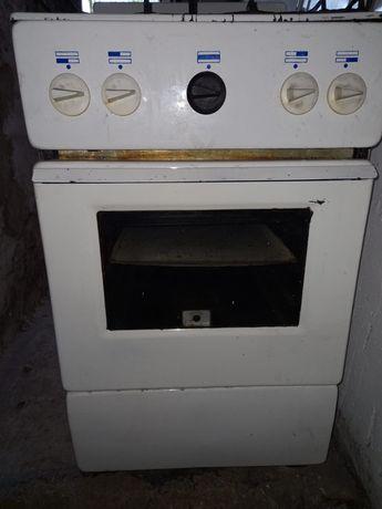 Продаю газовую плиту в хорошем состоянии  всё работает