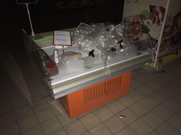 Плюсова хладилна витрина със собствен агрегат