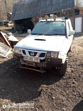 Schimb cu patrol Nissan    terrano