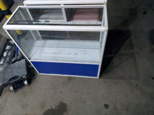 Продам витрины