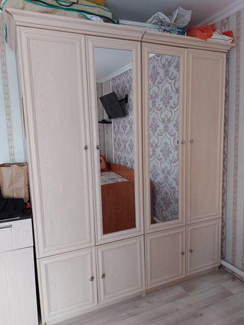 Продам спальный комплект шкафа