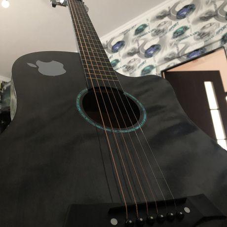 Гитара в хорошом сост