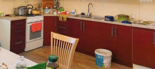 Продам кухонный гарнитур, раковину,вытяжку
