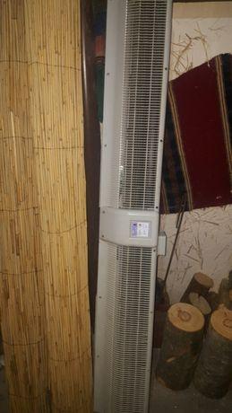 Продавам топлинна завеса