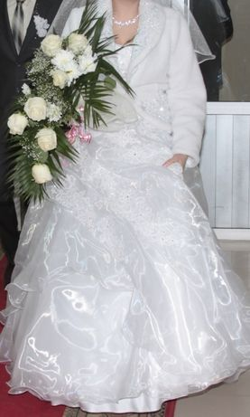 Свадебное платье и сапожки в подарок