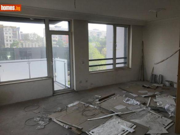 Апартамент-121 кв.м-Пловдив/Продавам