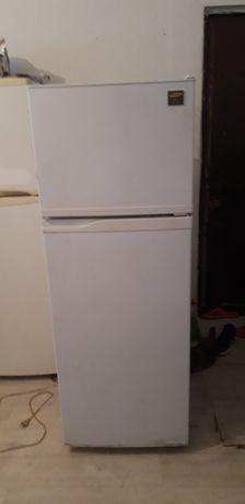 продам холодильник Самсунг ноуфрост в отличном рабочем состоянии