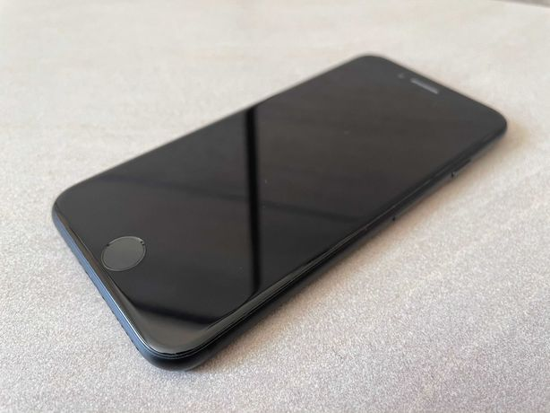 IPhone 7 (Заблокирован iCloud)