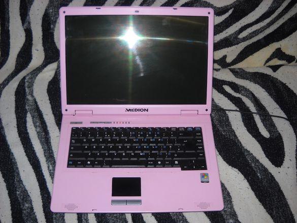 Продавам лаптопи