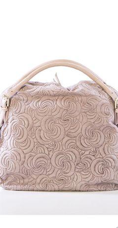 Чанта от естествена кожа с ефектен релеф в бледо розово от Lucca Baldi