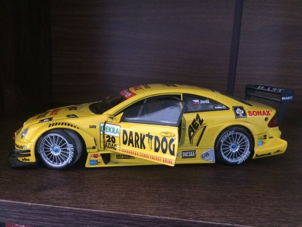 Macheta 1/18 Mercedes-Benz CLK-DTM 2004
