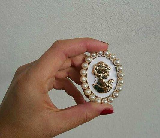 Brosa victoriana perle