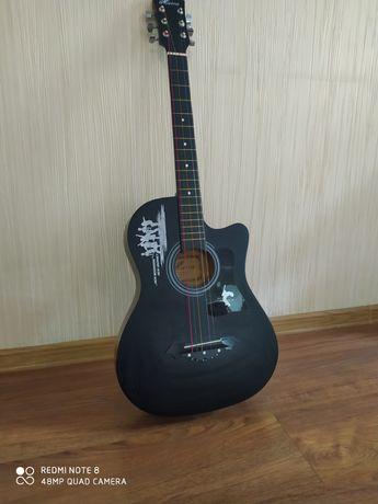 Гитара в хорошо состояние