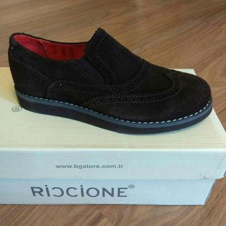 Темно коричневые замшевые туфли. Размеры с 30-34
