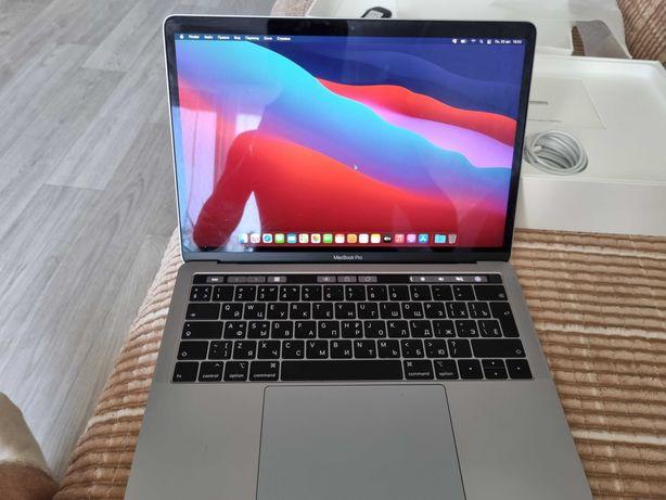 MacBook Pro с тач панелью.