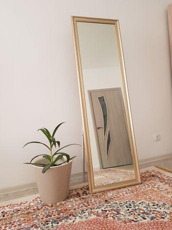 Продам напольное зеркало, в отличном состоянии