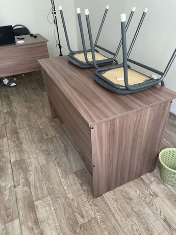 Продам столы в новом состояние
