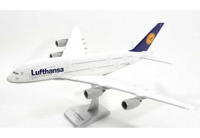 Модель самолета Airbus A380-800 в ливрее Lufthansa, масштаб 1/200