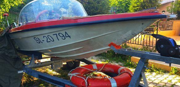 Комплект Лодка,колесар и двигател