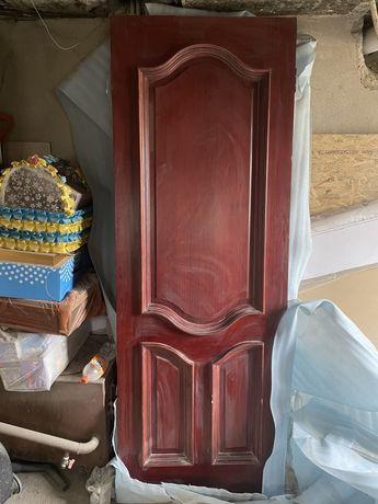 Дубовый дверь