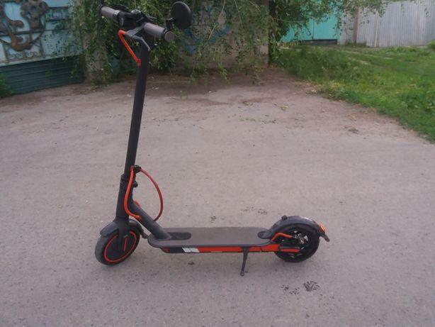 Продам самокат xiaomi-mijia-electric-scooter-1s