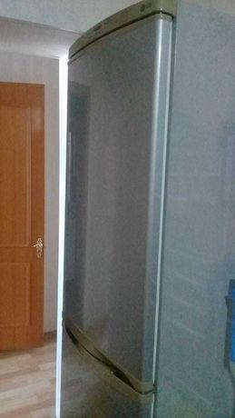 Продается холодильник LG в жезказгане недорого