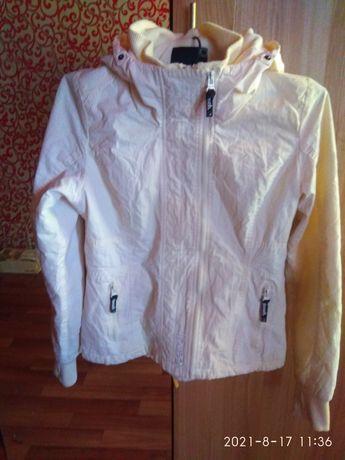 Продам куртку 10000тг