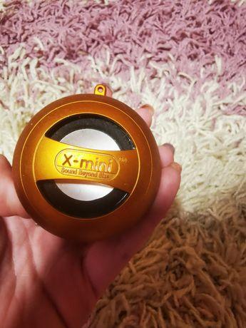 Boxă X-mini cu încărcător