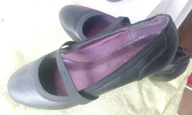 Balerini pantofi Clarks negri din piele naturala comozi 37 dama