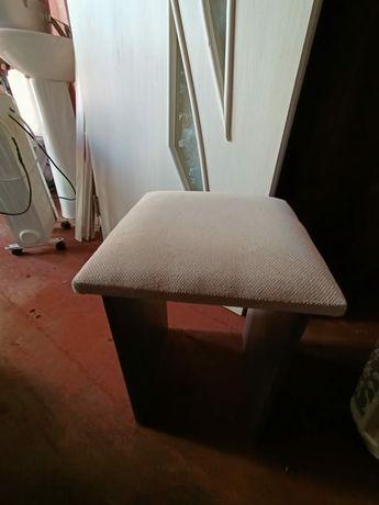 Прдом стулья...а