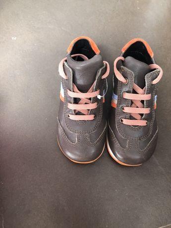 Pantofi 23