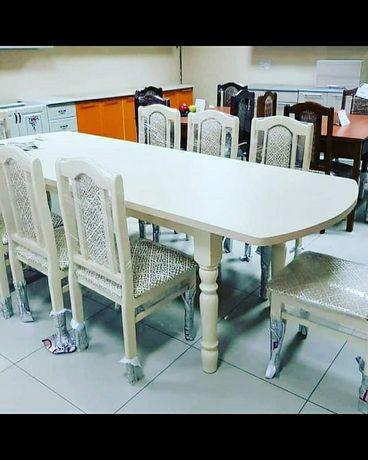Продам. Товар сделано чиста из Россейски дерева сосна. Стол и стулья