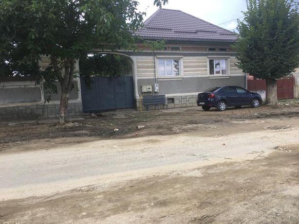 Casa de vanzare (inclusiv teren 2303mp)