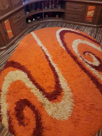 Covor orange sufragerie