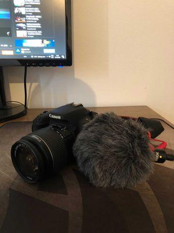 Camera Canon EOS200D si MIcrofon Rode Cu Puf.