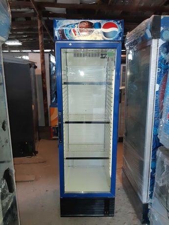Vitrina frigorifica/ vitrine frigorifice/ lada frigorifica/ congelator
