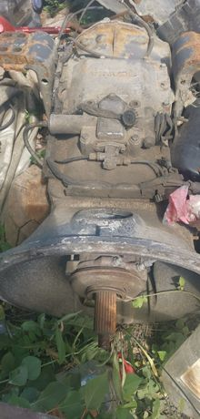 Dezmembrez cap tractor Scania L124