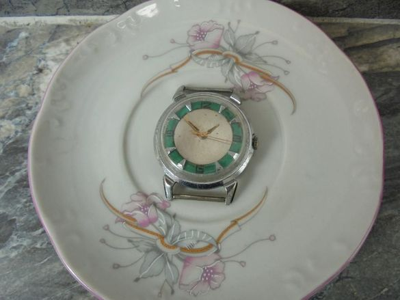 Часовник Кировские,Полет - рядък!
