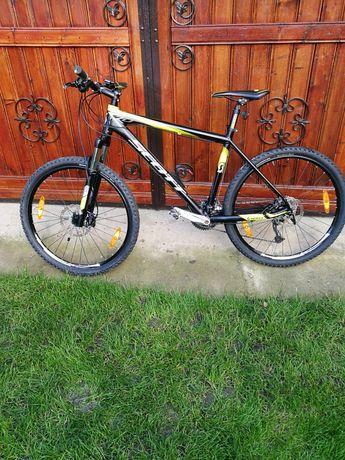 Vând bicicleta Scott adusa de doua zile din Germania