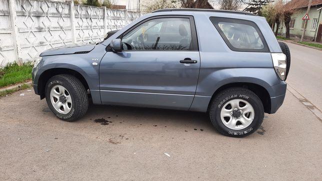 Suzuki Grand Vitara sau schimb cu Duster sau Nissan Juke