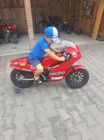 Motocicleta Yamaha  50 motor morini