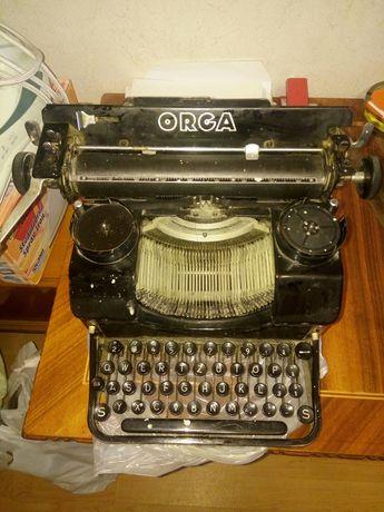 Vand masina de scris Orga/ schimb cu telefon si diferenta