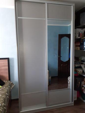 Шкаф купе с зеркалом