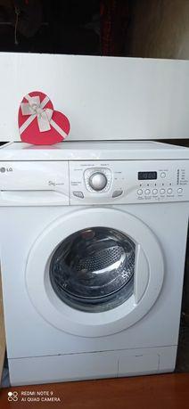 """Продам стиральную машину """"LG"""" 5 кг. Рабочая."""