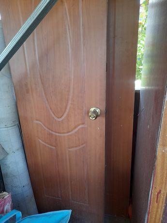 Продам дверы не сарапина