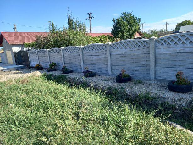 Gard din beton  cavou cruce
