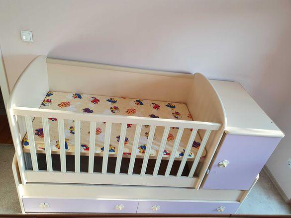 Трансформираща се бебешка кошара в легло и бюро - много запазена!