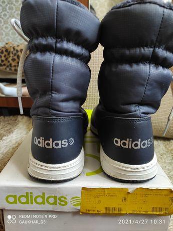 Продам сапоги Adidas