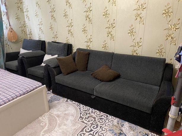 Продам диван и 2 кресла в отличном состоянии