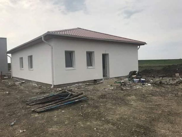 Vand casa la 150de euro mp la sol